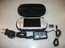 Console PSP 1000 Zilver Gebruikt + Tasje + Oplader + 8GB Memorycard