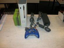 Xbox 360 Spelcomputer + Controller Gebruikt met 20GB HD en 5 spellen verrassingspakket